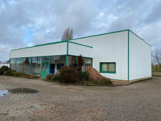 Location  BERNAY local commercial 6 pieces, 340m2 habitables, a BERNAY